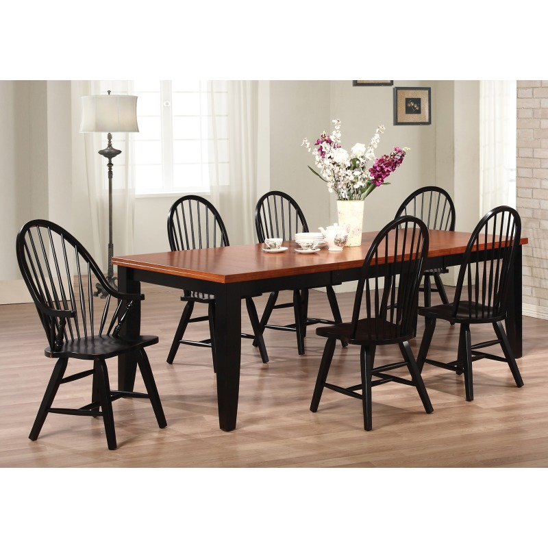 13 Spindle Windsor Continuous Arm Chair