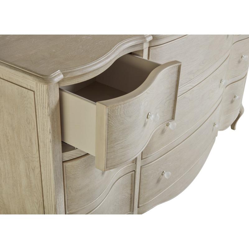 Charme Dresser - Detail