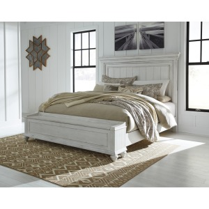 Kanwyn King Panel Bed with Storage