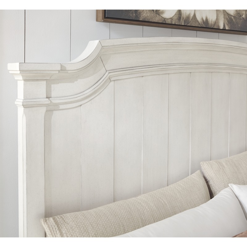Nashbryn King Panel Bed