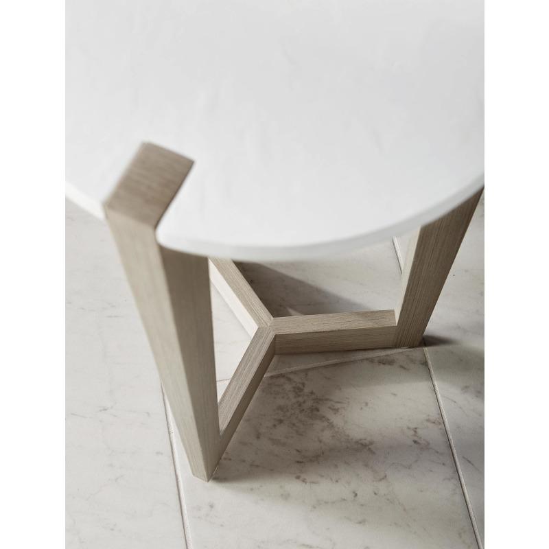 bernhardt_axiom_round_chairside_table_381-122_detail_01.jpg