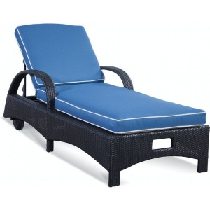 Brighton Pointe Chaise