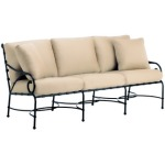 Sofa w/ Loose Cushions & Two Pillows