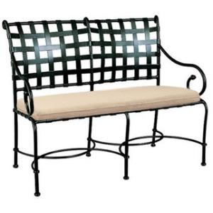 Settee w/ Loose Cushion