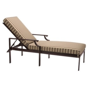 Adjustable Chaise w/ Loose Cushions