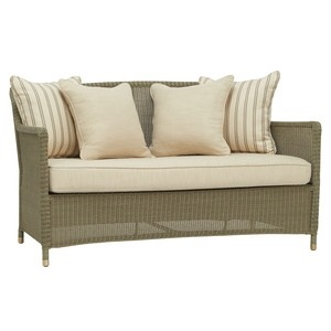 Loveseat w/ Loose Cushion and Pillows