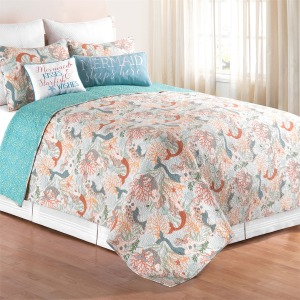 Dancing Waters King Quilt Set