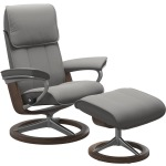 Admiral Large Signature chair w/footstool