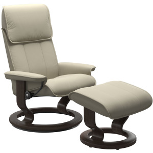 Admiral (L) Classic chair with footstool