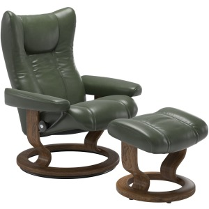 Wing (L) Classic chair with footstool - Pioneer Green w/Teak