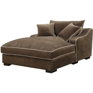Chaise With 2 Pillows