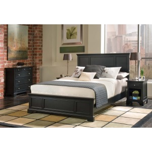 Ashford Queen Bed, Two Nightstands and Chest