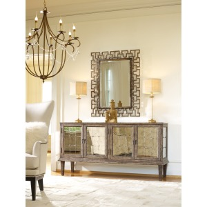 DeVera Mirrored Console