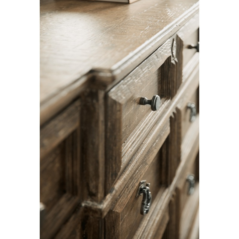 La Grange Rolling Hill Nine-Drawer Dresser Detail