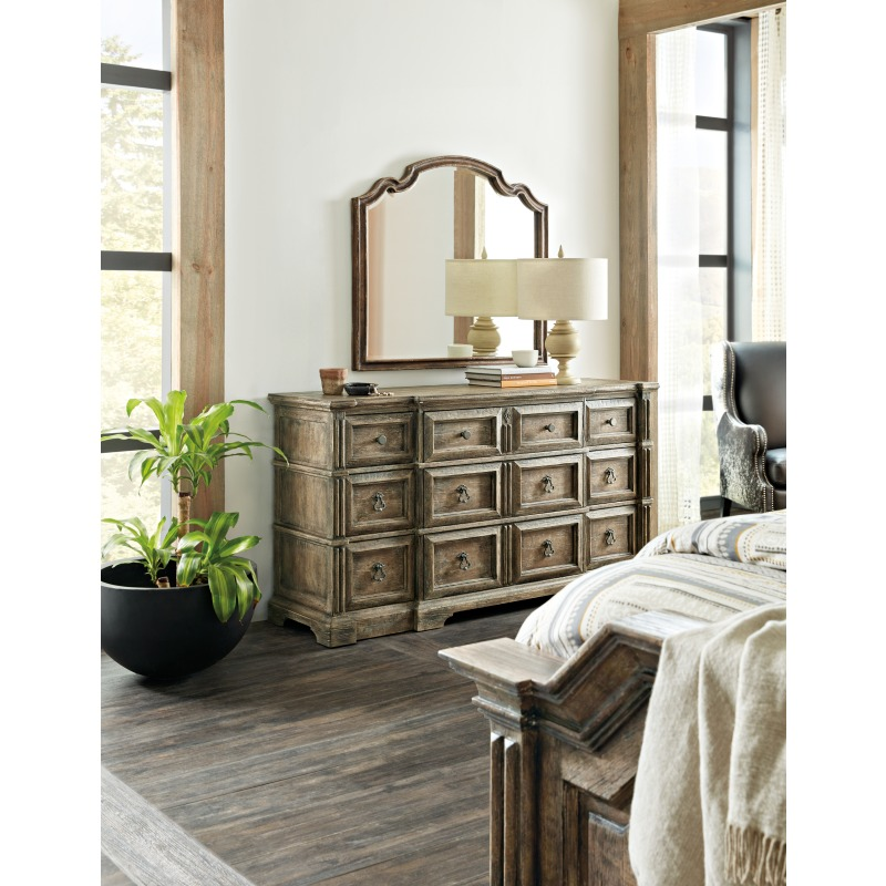 La Grange Rolling Hill Nine-Drawer Dresser Room
