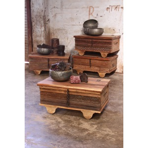 RECLAIMED WOODEN CHEST WITH WHEELS
