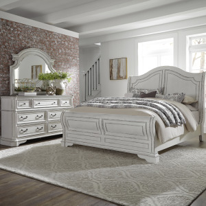 Magnolia Manor King Sleigh Bed, Dresser & Mirror