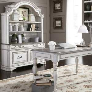 Magnolia Manor 3 Piece Desk & Hutch Set