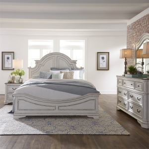 Magnolia Manor California King Panel Bed, Dresser & Mirror, N/S