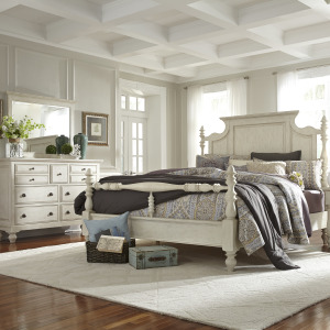 High Country King Poster Bed, Dresser & Mirror