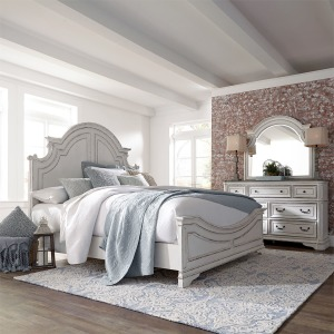 Magnolia Manor King Panel Bed, Dresser & Mirror