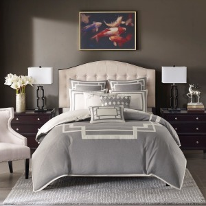 Savoy Comforter Set - Queen