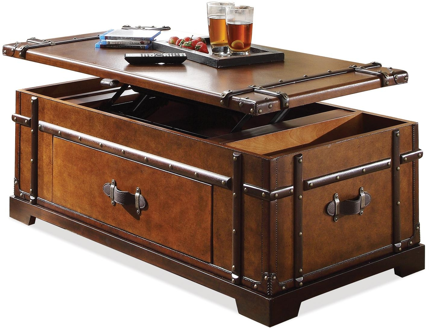 Latitudes Steamer Trunk Lift Top Coffee Table By Riverside Nis101373070 Horton S Furniture Mattresses
