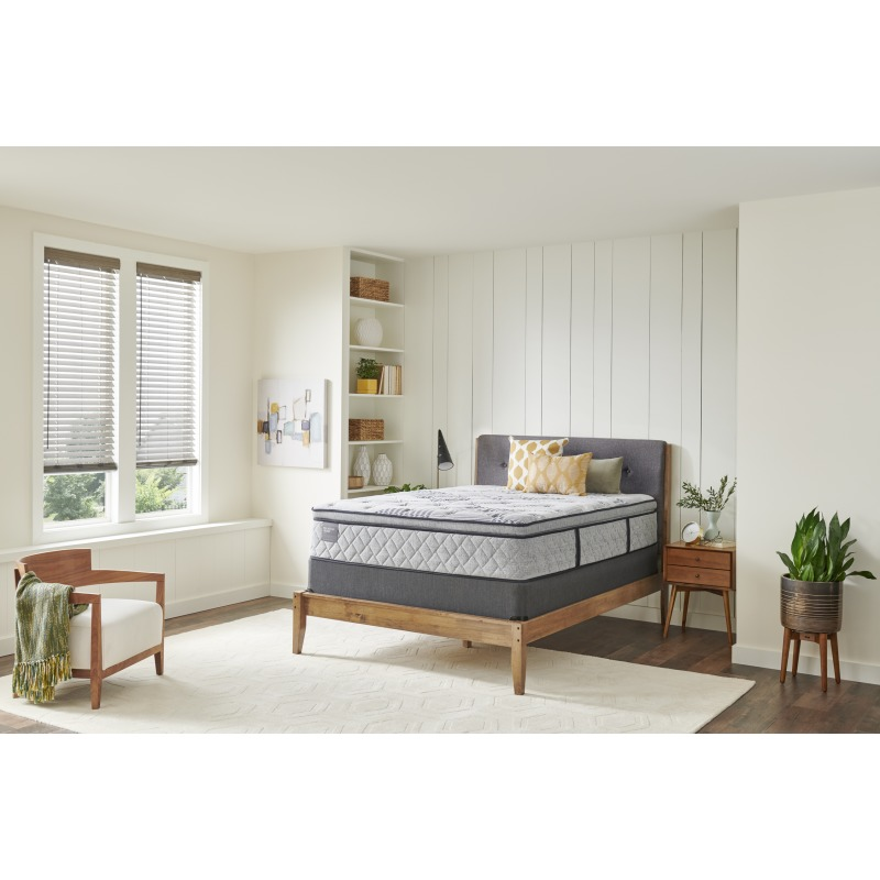 18_Room_Angle_Palatial_Crest_B4_EPT_Plush_5x7_110919080112198255.jpg