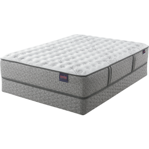 Wynnfield Firm Mattress & Foundation