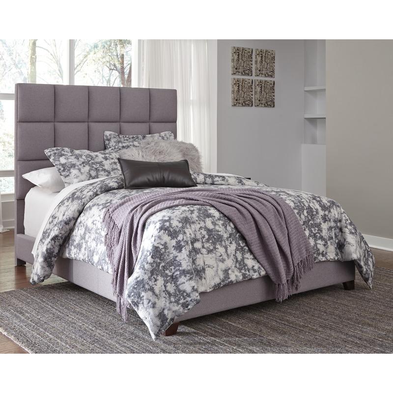 Dolante King Upholstered Bed