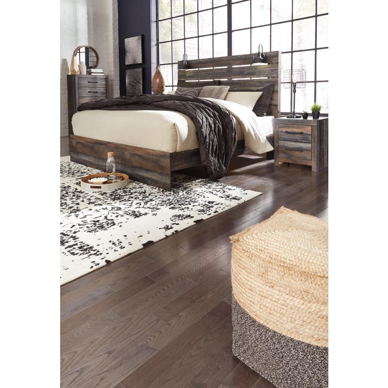 Drystan King Panel Bed