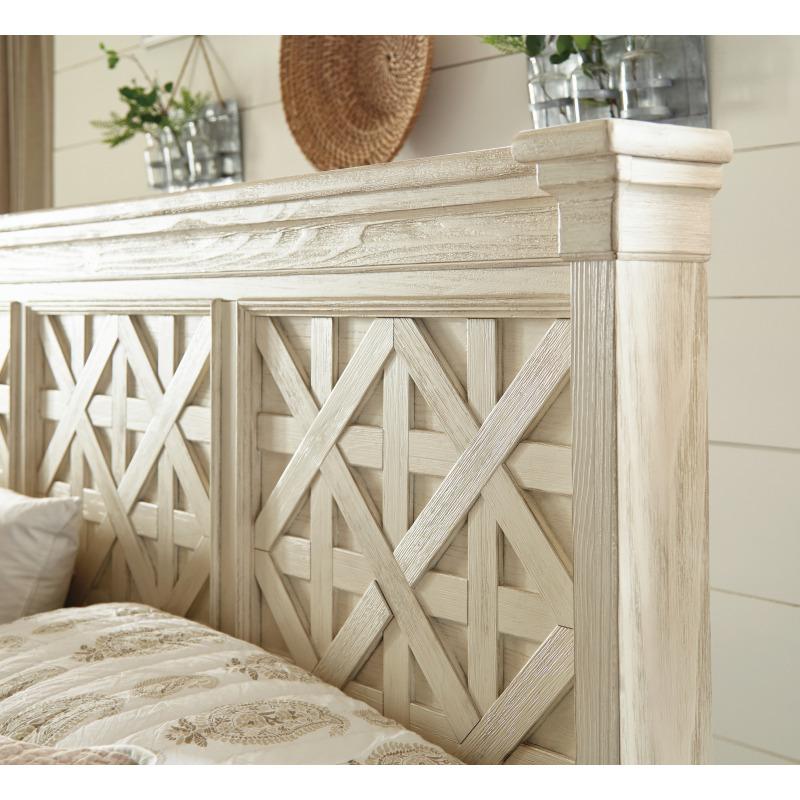 Bolanburg Queen Panel Bed