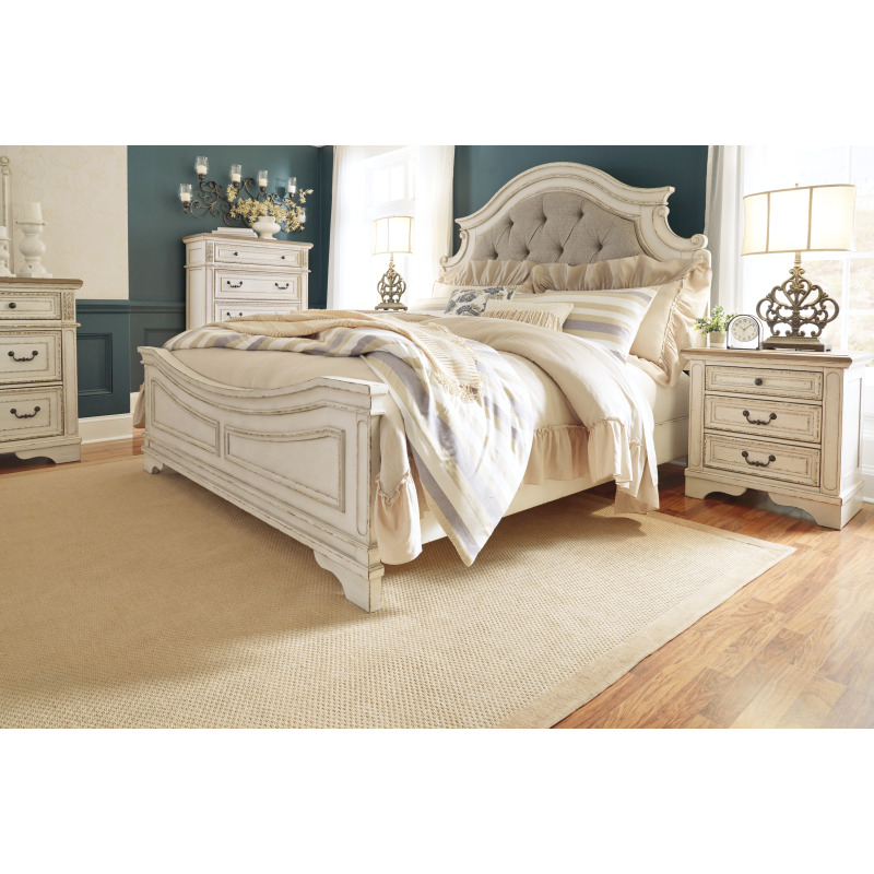 Realyn King Upholstered Panel Bed