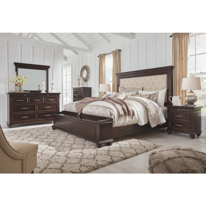 Brynhurst King Upholstered Bed with Storage