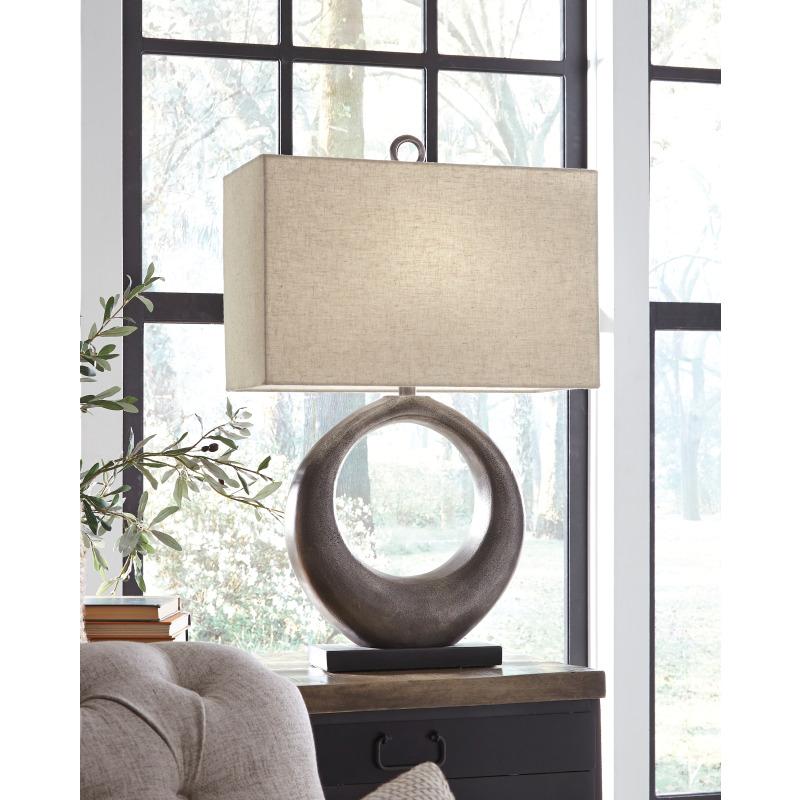 Saria Table Lamp