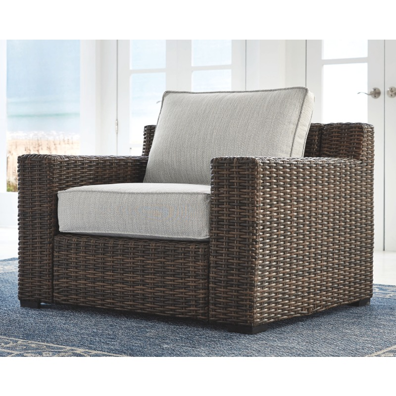 Alta Grande Lounge Chair with Cushion