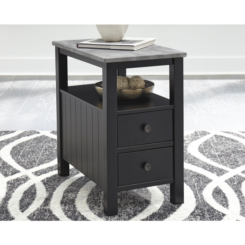 Ezmonei Chairside End Table
