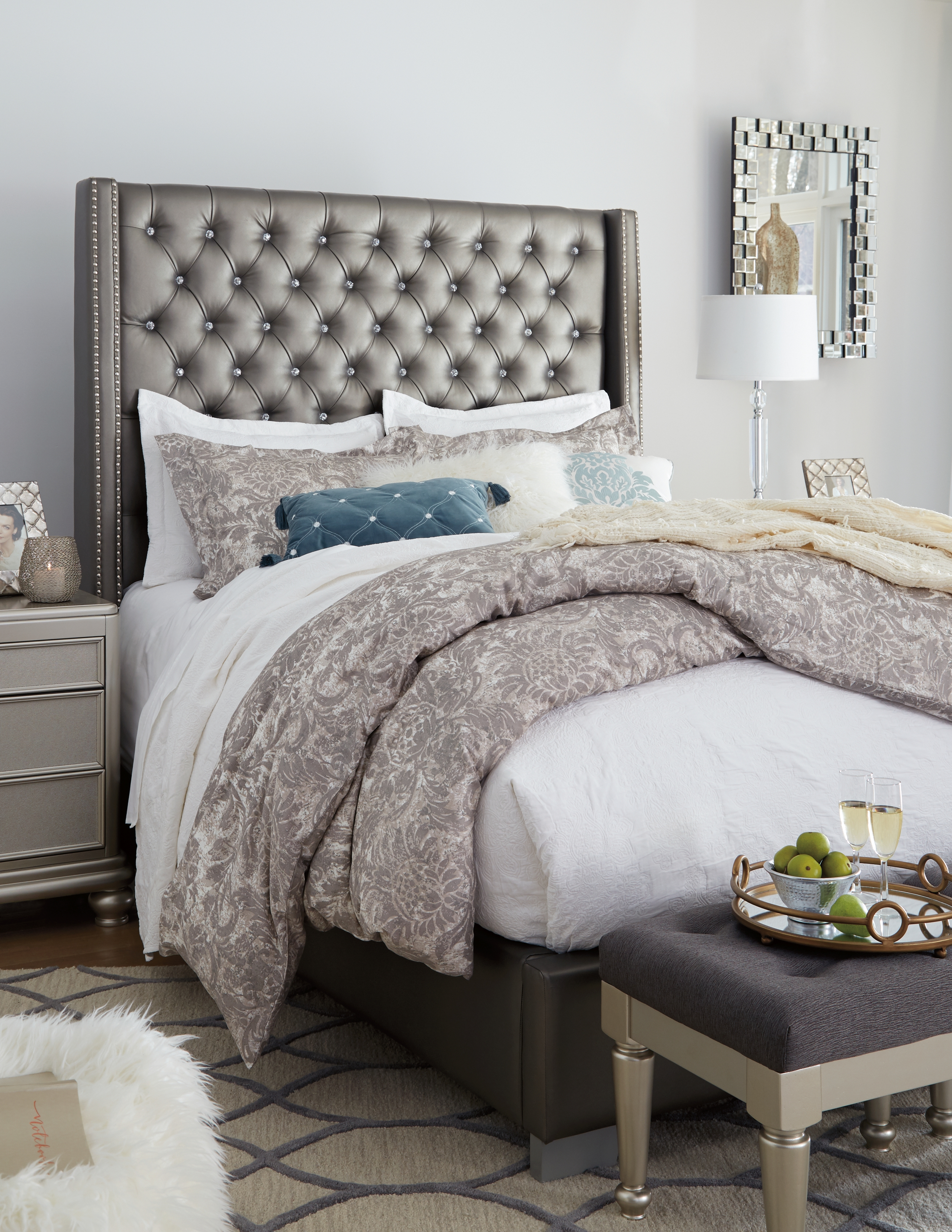 Coralayne Queen Upholstered Bed By Signature Design By Ashley B650b13 Pierce Furniture Mattress