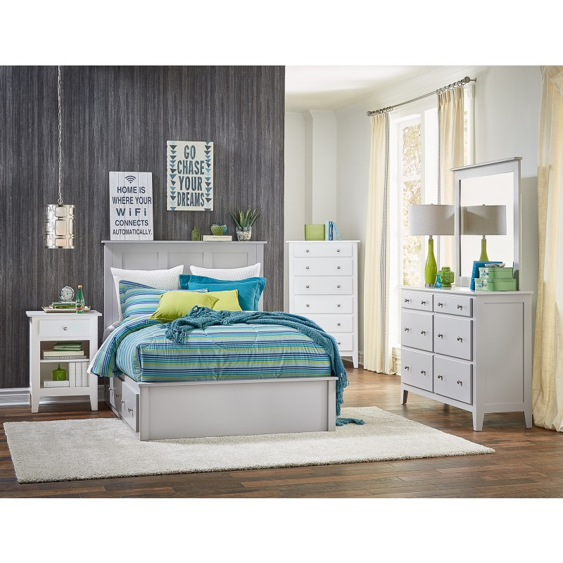 Mapleton Bedroom Collection