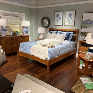 Queen Bed, Dresser & 1 NT