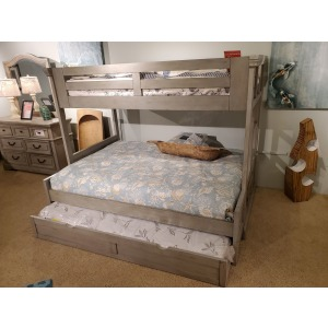 Twin/Full Bunk Bed w/ Trundle