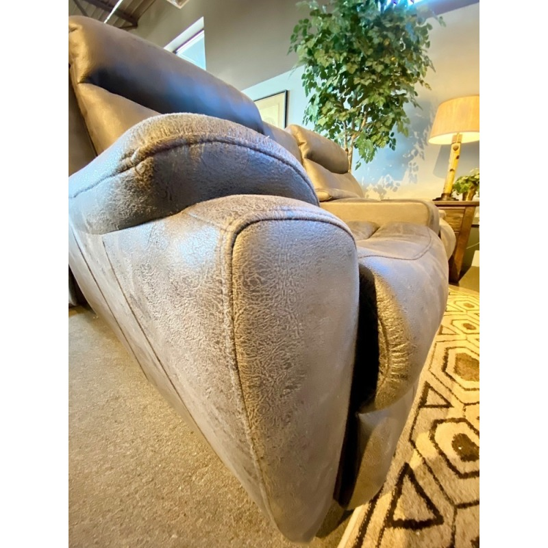 Proximo Power Reclining Loveseat w/console