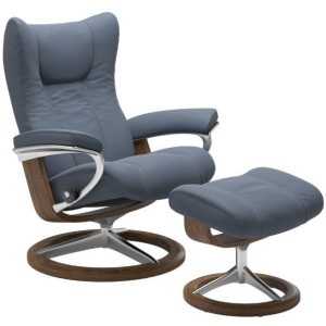 Wing Large Signature Chair w/Footstool