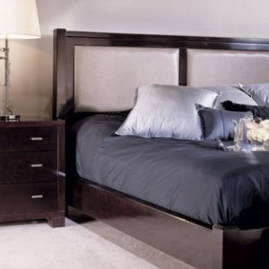Low Post Bed W/uph Panels