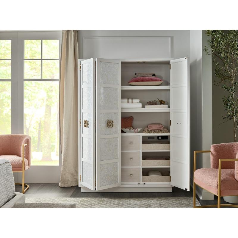 Peony Wardrobe - Multiple item room scene