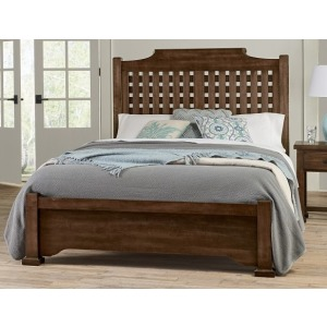 Grason Manor Queen Poster Bed